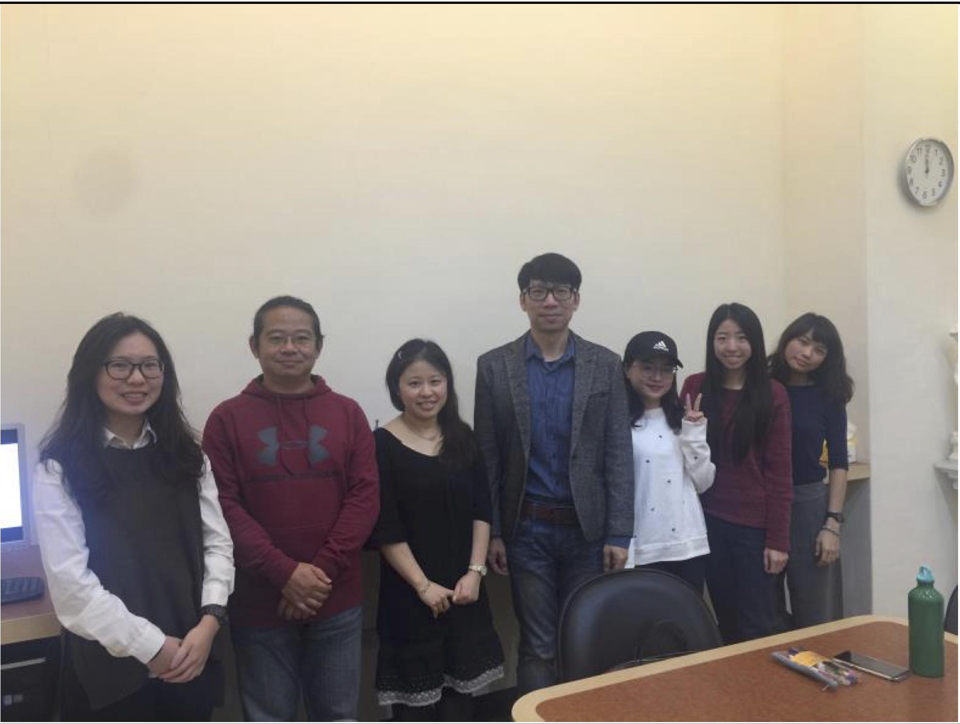 12/22 「研究方法」課程協同教學。